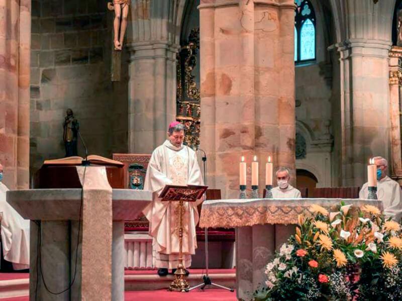 Obispo Joseba Segura